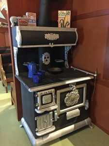 Colonial-car-stove